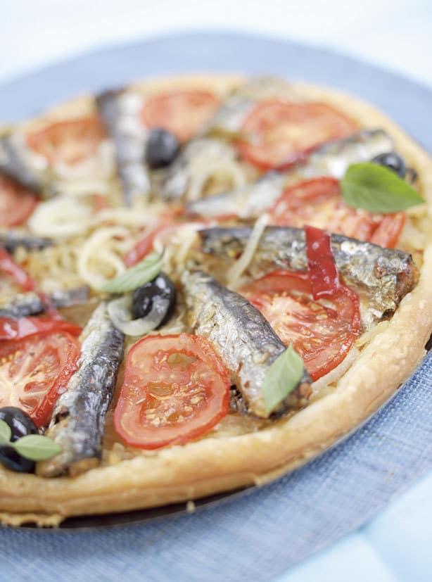 Tarte-aux-oignons-et-sardines-en-conserve-aux-2-piments---la-belle-iloise